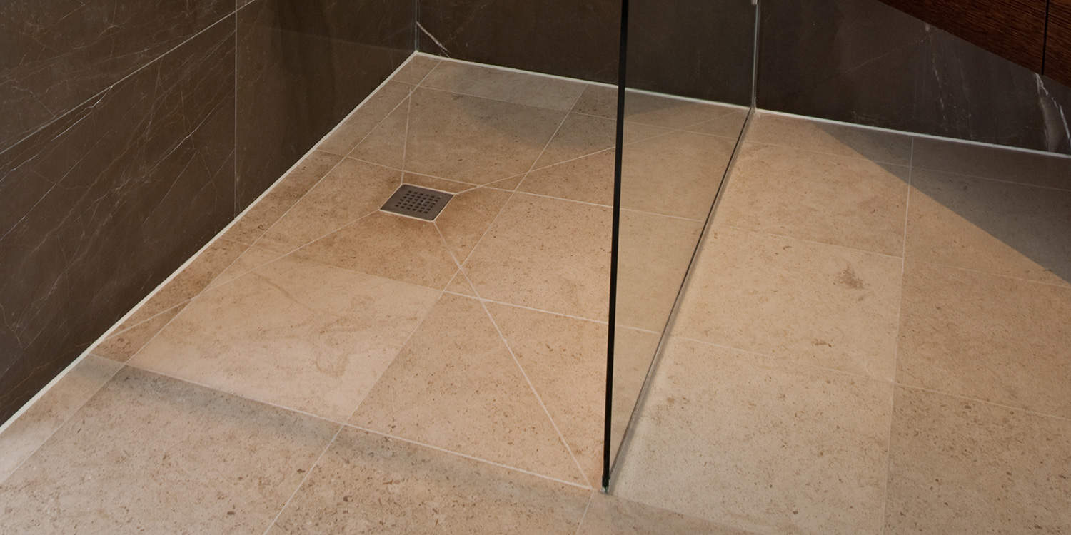 Molianos Beige limestone shower floor
