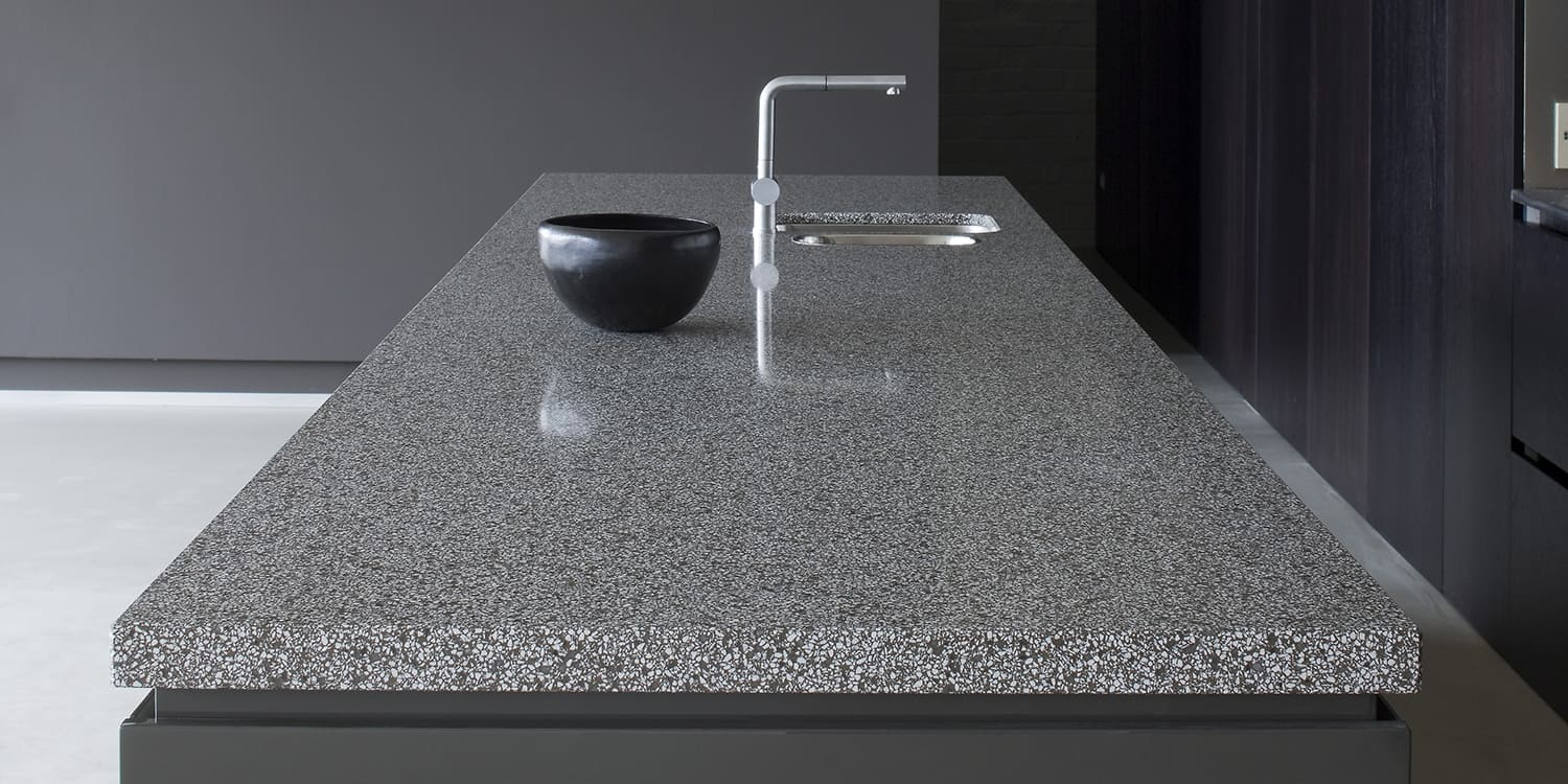 60mm thick quartz worktop