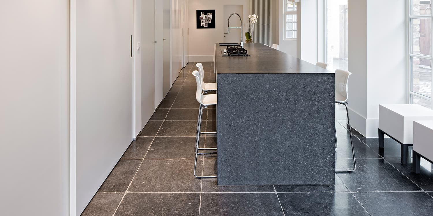 Belgian Blue worktop with Belgian Blue Stylo flooring